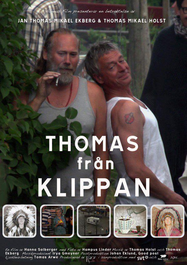 Filmaffisch Thomas från Klippan står i versaler, två män lutar sig mot varandra